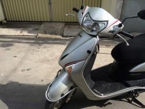 Honda LEAD Fi phun xăng điện tử màu bạc,máy êm thì thầm