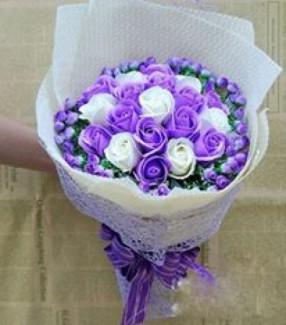 Bó hoa sáp 19 bông cao cấp - Gía bán 250k (tím)