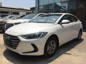 Hyundai Elantra MT 1.6 Giá cực sốc Với 90...