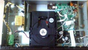 CD YAMAHA CD-S 300- Điện 100 volt (nội địa)