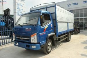 Xe tải hyundai TMT 2t4 chaỵ trong thành phố