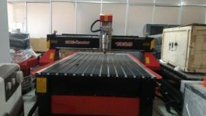 Máy cnc signkey 1325 nhập khẩu nguyên máy giá rẻ.