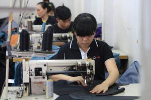 Xưởng may gia công ví da nam nữ, túi xách da uy tín, chất lượng nhất tại TPHCM