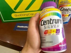 Centrum Silver Ultra women's 50+ là loại multivitamin của Mỹ bổ sung vitamin C, E, canxi .... các chất chống oxy hóa giúp cân bằng nội tiết tố nữ, ổn định sinh học cho các cơ quan.