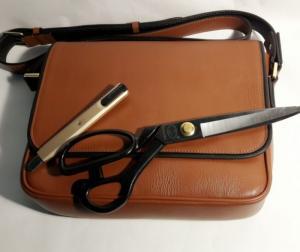 Đơn giản hiện đại dễ phối đồ với chiếc túi xách da cực chất