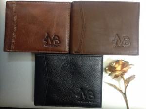 Bạn muốn lựa chọn một chiếc ví da, một chiếc túi xách da hay đơn giản là 1 chiếc dây nịt da, tại sao lại không đến với xưởng may gia công đồ da chuyên sỉ của chúng tôi?