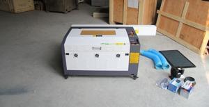 máy cắt khắc laser 6040
