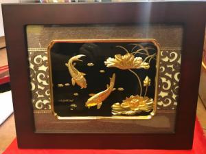 tranh sen cá bằng đòng rát vàng