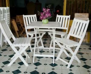 Bàn ghế gỗ trà sũa đa màu giá rẻ
