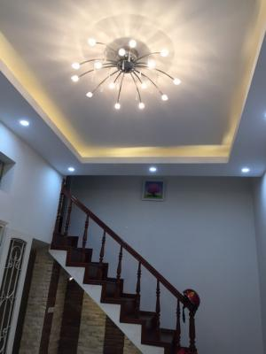 Nhà 4 tầng, chủ nhà mới sơn sửa lại đẹp long...