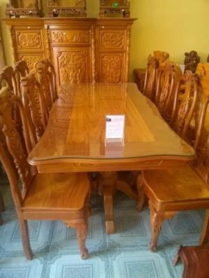 Bộ bàn ăn vuông lượn