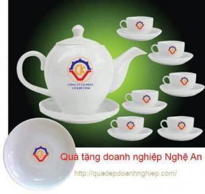 In lên ấm chén, cốc sứ giá rẻ tại Nghệ An