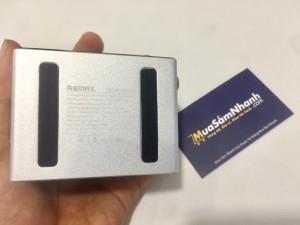 Loa bluetooth Remax RB-M8 Mini với thời lượng pin ấn tượng  là chiếc loa cho âm thanh trong trẻo, chi tiết và tiếng bass chắc tai.