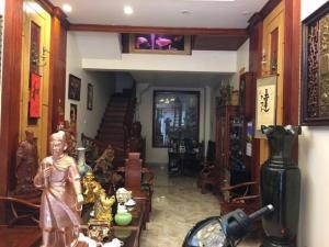 Bán nhà phố Nguyễn Chí Thanh 60m lô góc 3 mặt...