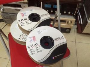 DÂY LOA NORDOST 2FLAT Made in U.S.A .   Dây loa NORDOST 2 Flat được nhập khẩu từ Mỹ. Chất âm miễn bàn ! ( Chi tiết, tốc độ, kiểm soát, tinh tế ) ... chỉ có ở NORDOST !  - giá bán: 3tr/ bộ dài 2,5m 1 vế .