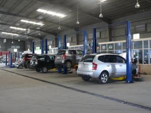 Thiết bị nâng hạ chuyên dùng trong Garage sửa...