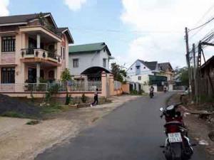Cần bán đất bằng phẳng mặt tiền rộng Yersin, P9, Đà Lạt