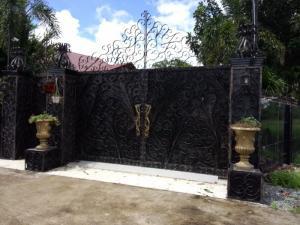 Cần bán gấp 200m2 TC mặt tiền đường 835 trung tâm thị trấn Cần Giuộc