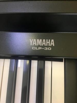 Đàn Piano Điện Yamaha CLP-30