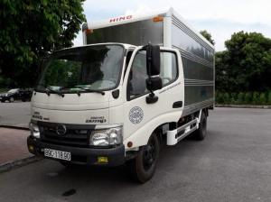 Xe tải HINO 5 tấn thùng kín nhập khẩu nguyên chiếc