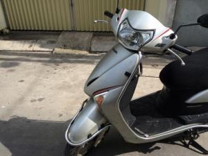 Honda LEAD Fi phun xăng điện tử,màu bạc, xe...