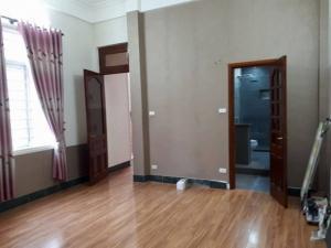 Ngõ 221 Tôn Đức Thắng Đống Đa 45m, 5 tầng 4...