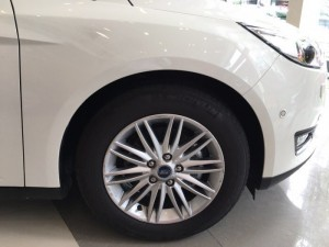 Ford Focus 1.5 Ecoboost Sedan 2017 giá tốt nhất miền nam. đủ màu giao ngay