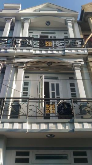 Nhà gần đường Nguyễn Văn Quá, Q12 đúc một...