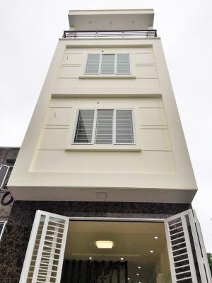 Nhà 4 tầng xây mới độc lập, oto đỗ cửa trong ngõ 250 Thiên Lôi-Chợ Đôn. Hướng Đông. Giá 1.7 tỷ (TL)