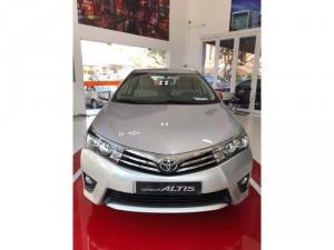 Bán xe Toyota Corolla Altis 1.8V CVT, màu Bạc, giao ngay, khuyến mãi 60TR
