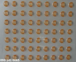 In sticker phủ keo nổi logo số lượng ít