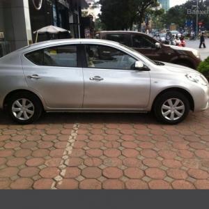 Bán gấp Nissan Sunny XV màu bạc, 533tr
