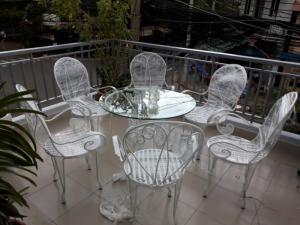 Bàn ghế cafe sân vườ ngoài trời