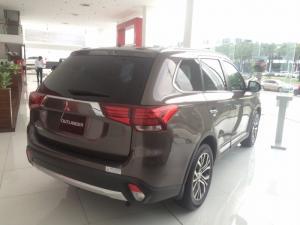 [TP.Hồ Chí Minh] Mitsubishi Outlander 2.0 CVT 2016, giá tốt, hỗ trợ cho vay 80% xe
