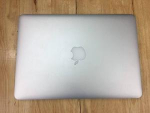 APPLE Macbook pro Retina 15inch MF840 - Model 2015 Sạc 10 lần