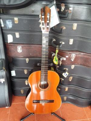 Guitar làm bằng gỗ Jacaranda