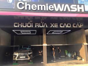Quy trình rửa xe ô tô chuyên nghiệp bạn cần biết ?