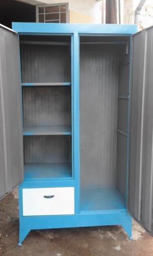 Tủ sắt quần áo giá rẻ cao 1m8 ngang 90cm.
