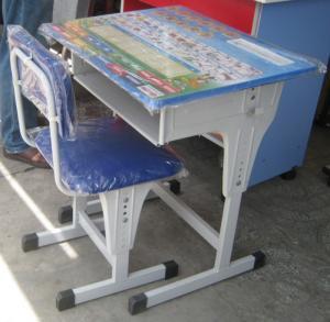 Bàn ghế học sinh chân sắt tăng giảm cho bé. Giá 499k.
