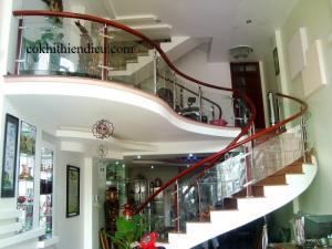 Cầu thang lan can kính tại thanh hóa, lắp đặt 100 khách hàng hài lòng
