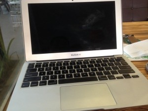 Bán MacBook air 2012