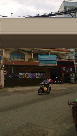 Cho thuê nhà diện tích lớn MT Trần Quang Khải, p. Đakao, Q1, DT 351m2