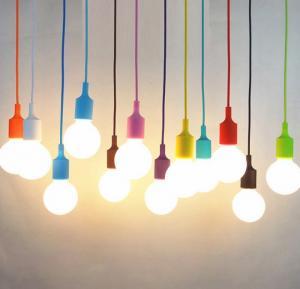 Đui đèn thả nhựa  màu giá rẻ 25k