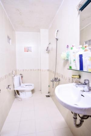 PhòngChoThue- GẦN Sân Bay-Ban Công-FREE nước net cap-Full nội thất,4tr5