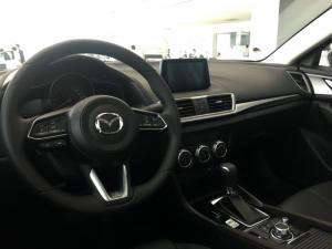 Mazda 3 1.5 AT SD Facelift 2018 đủ màu,Mazda Bình Dương có xe giao ngay, hỗ trợ vay 85% và nhiều quà tặng