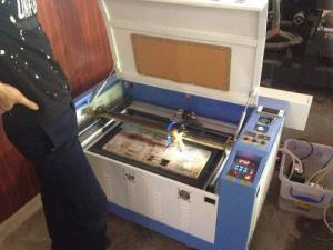 Máy laser 6040 cắt khắc phi kim, máy laser nhập khẩu