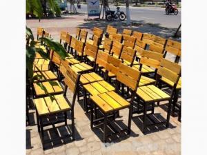 Thanh lý bàn ghế quán nhậu gỗ thông pallet giá rẻ