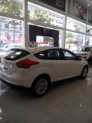 Ford Focus Trend 2017 nhiều ưu đãi hấp dẫn