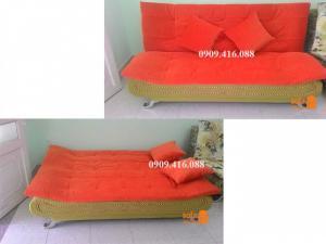 Ghế sofa kiêm giường ngủ màu cam nổi bật