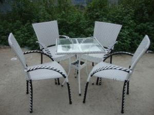 Cần thanh lý 20 bàn ghế cafe sân vườn giá cực rẻ